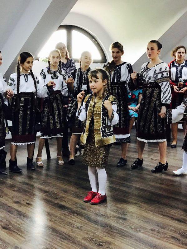 ansamblul-de-copii-din-berchisesti